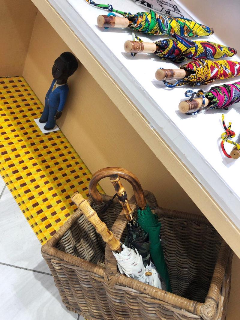ムッシュ /   コートジボワール木彫りの人形